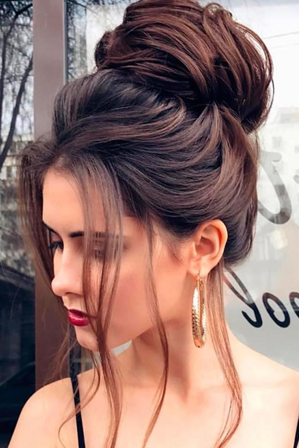 11 Awesome Party Hairstyles for Medium Hair