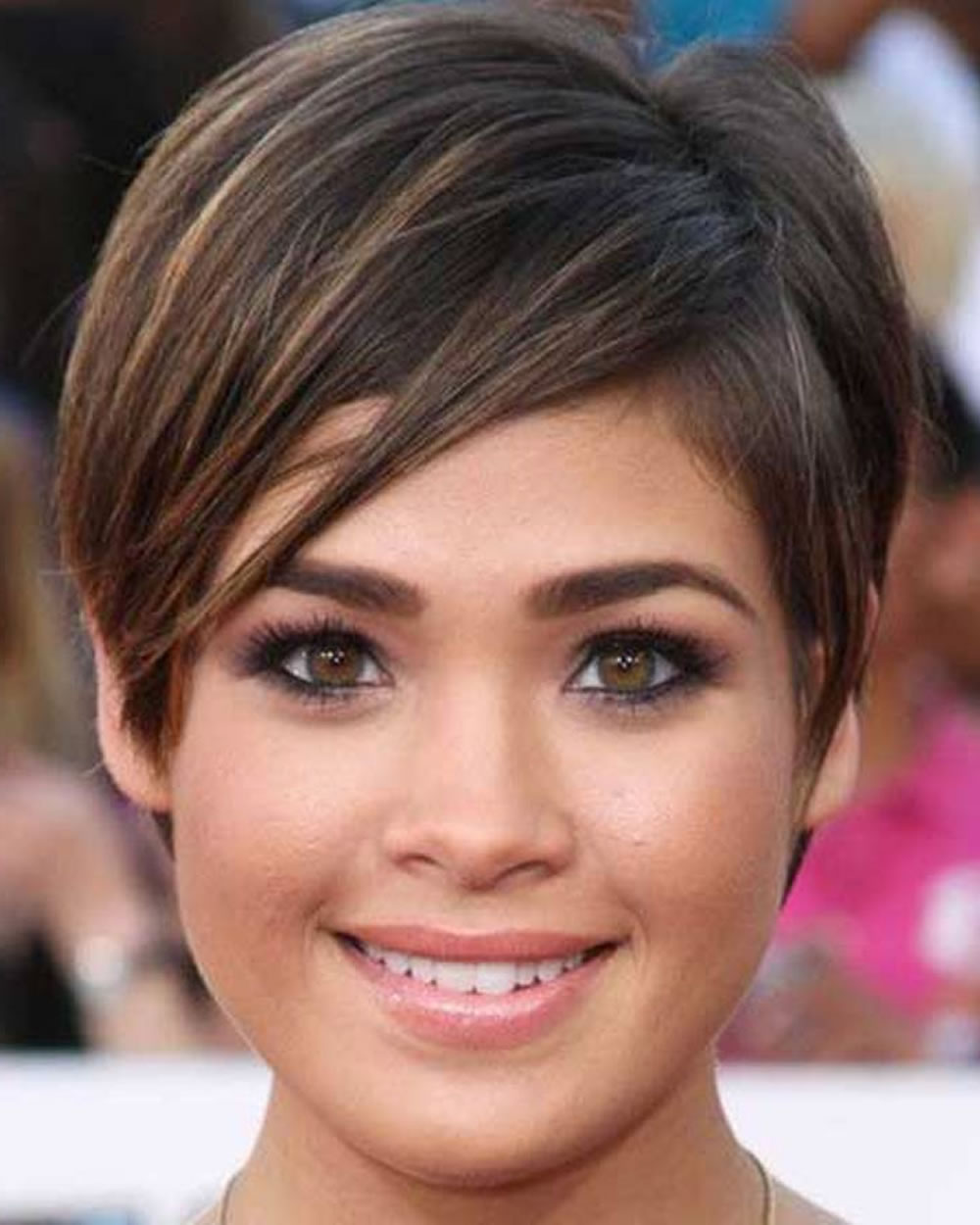 Top 10 Pixie Hairstyles For Round Faces