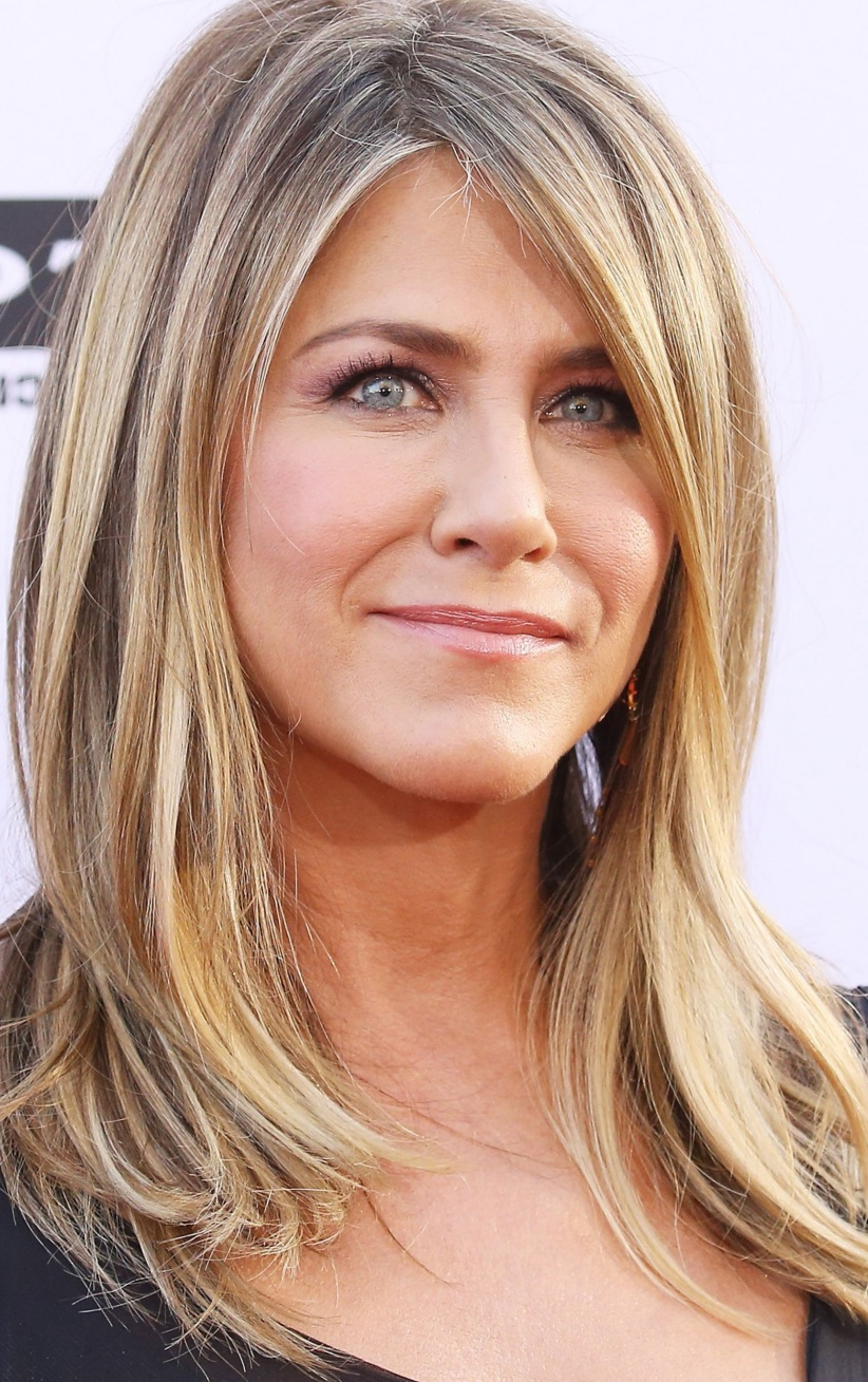 jennifer aniston hairstyle 22 famous jennifer aniston hairstyles